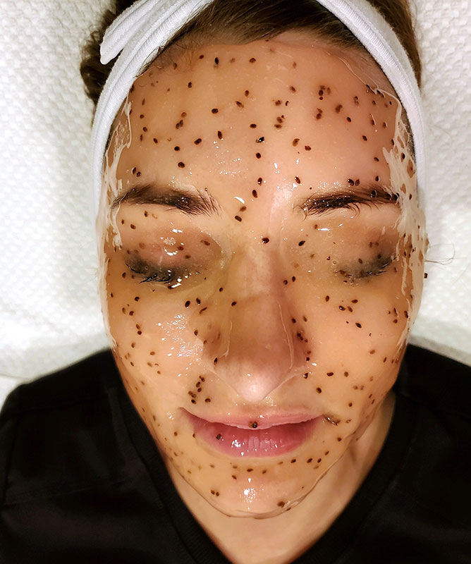 amy-jelly-mask-facial-2020-web